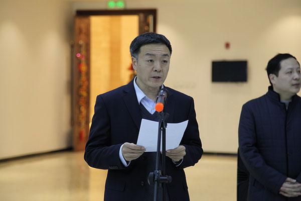 北京市总工会党组成员、副主席潘建新主持